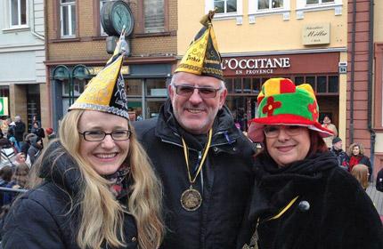 Auf dem Foto (v.l.n.r.): Dr. Nicole Marmé, Werner Pfisterer und Ilse Janson.