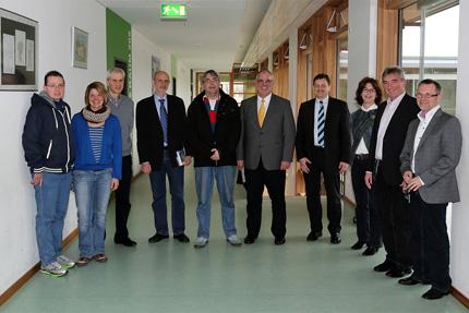 Gemeinsam waren vor Kurzem Karl Klein MdL, Stadtrat und MdL a.D. Werner Pfisterer wie auch Stadtrat Martin Ehrbar zu einem Informationsgespräch in der Gregor-Mendel-Realschule in Heidelberg-Kirchheim.