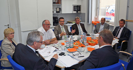 MdL Karl Klein, MdL a.D. Werner Pfisterer und MdL Peter Hauk besuchten die VdK-Bezirksgeschäftsstelle in Heidelberg.