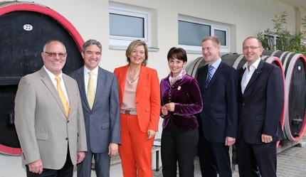 Auf dem Foto von links nach rechts: Werner Pfisterer, Dr. Stephan Harbarth MdB, Julia Klöckner MdL, Nathalie Müller und Eyke Peveling