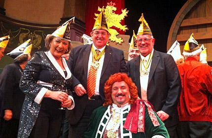 Auf dem Foto von links nach rechts: Monika Becker, Dr. Karl A. Lamers, Perkeo Thomas Barth und Werner Pfisterer.